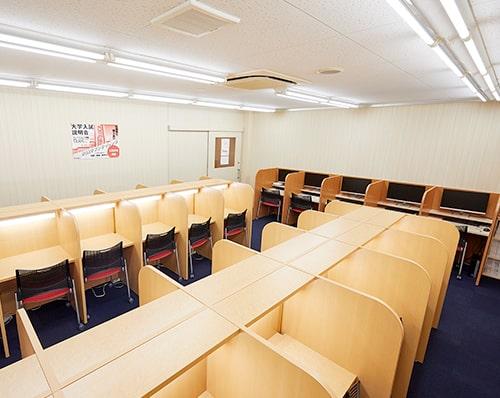 静かな自習室